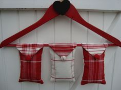 The best idea ever for hanging a sachet or two throughout your closet! Lavender Crafts, Lavender Bags, Lavender Sachets, Crafts To Make, Arts And Crafts, Sewing Crafts, Sewing Projects, Sachet Bags, Scented Sachets