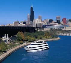 Vacation in Chicago on Lake Michigan in Style