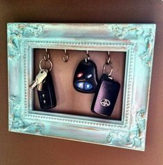 Frame key holder.