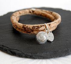 Pusteblumen Armband mit echten Korkband von MirakelSchmuck auf Etsy Jewelry Box, Jewelery, Glass Ball, Organza Bags, Dandelion, Chain, Pendant, Bracelets, Leather