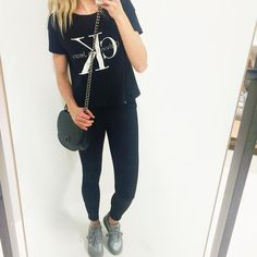 Selfie med ny lækker Calvin Klein T-shirt i kort❤️ Super lækre jeans fra Global Funk. Den grå Atlanis model fra Asics og nice ny taske der kommer på webshoppen i næste uge❤️ Kan du lide det? #mode#fashion#lovely#jeans#two#globalfunk#look#lykkelook#tshirt#lykke#lykkebylykke