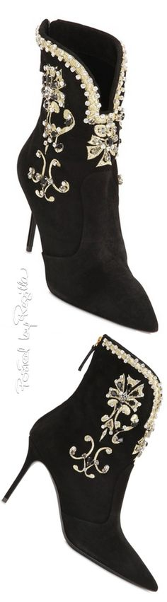 Booties-Regilla ⚜ Una Fiorentina in California Stilettos, High Heels, Pumps, Cute Boots, Sexy Boots, Thigh High Boots, Ankle Boots, Giuseppe Zanotti Heels, Stylish Boots
