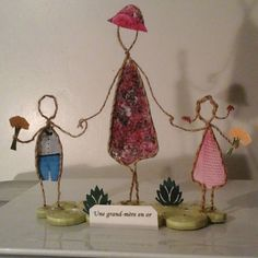 FIGURINE Sculptures Sur Fil, Origami, Wire Art Sculpture, Wire Ornaments, Art Du Fil, Wire Crafts, String Art, Twine, Decorative Bells