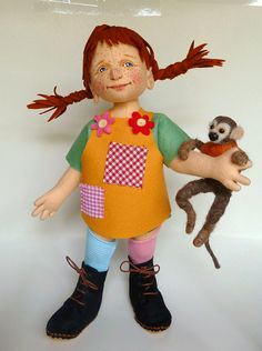 This 14 inch. Pippi is made of 100 % wool felt, including her hair, she has painted face-features and is jointed in her arms and legs. Nilsson is needle felted and his arms and legs are pose-able. Diy Tank, Diy Shirt, Pippi Longstocking, Storybook Characters, Kids Poems, Shirt Makeover, Pet Mice, Little Monkeys, Hello Dolly