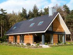 Modern Barn House, Modern Rustic Homes, Barn House Plans, Modern Farmhouse Exterior, Small House Plans, Building Design, Building A House, Wooden Facade, Tin House