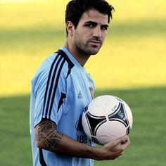 Spanish national team player Cesc Fabregas exercises during a training session in Las Rozas, Football Love, Football Is Life, Team Player, Football Players, Fifa, Football Mondial, Anaheim Ducks, San Diego Chargers, Arsenal Fc