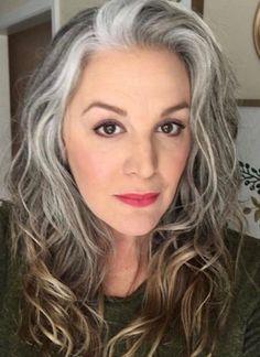 Grey Hair Care, Long Gray Hair, Grey Hair Transformation, Silver White Hair, Curly Hair Styles, Natural Hair Styles, Grey Hair Inspiration, Hair Cutting Techniques, Gray Hair Growing Out