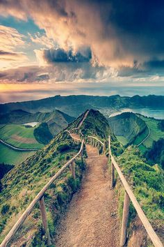 Trail at Sete Cidades Crater on Sao Miguel Island, Azores - Portugal Places Around The World, Oh The Places You'll Go, Places To Travel, Travel Destinations, Places To Visit, Around The Worlds, Azores, Jolie Photo, Wonders Of The World