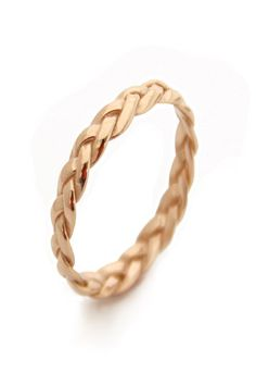 Yellow gold braided wedding ring by MayaMor via Etsy #braidedring #weddingring #gold