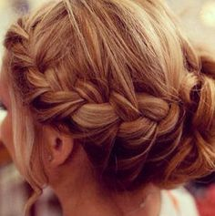 Assicely want to do this with my hair- plait envy