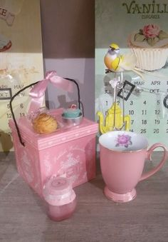 #AmarettidellaValle #Cookie #Biscotti #Pink #candle #teacup
