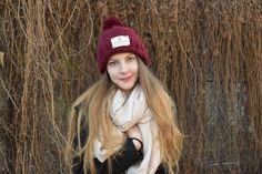 Mai, Winter Hats, Fashion, Folklore, Tricot, Moda, Fashion Styles, Fashion Illustrations