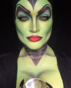 Looking for for ideas for your Halloween make-up? Browse around this site for scary Halloween makeup looks. Halloween Makeup Witch, Witch Makeup, Scary Halloween, Halloween Cosplay, Maleficent Halloween, Halloween Costumes, Vintage Halloween, Halloween Ideas, Maleficent Makeup