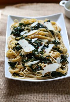 easy one-pot lemony kale spaghetti // themuffinmyth.com