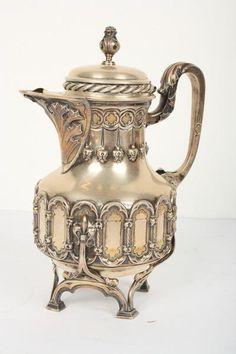 ACV001 Belíssimo conjunto para chá e café em prata portuguesa,punção da cidade do porto. Teor 833g.