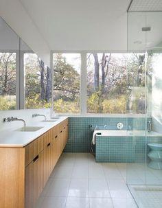 16 Beautiful Mid-Century Modern Bathroom Designs That Are Simply Flawless - Modern House Desing Mid Century Modern Bathroom, Modern Bathroom Design, Bathroom Interior Design, Modern Interior Design, Bathroom Designs, Bathroom Ideas, Modern Bathrooms, Bath Ideas, Bathroom Storage