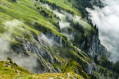 Clouds coming up by Piotr Didyk on 500px