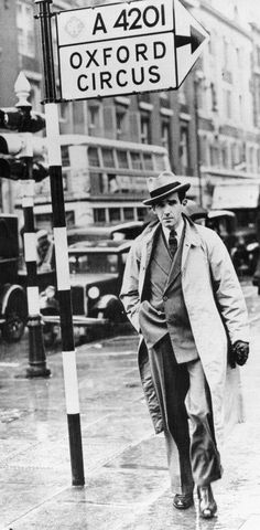 "Columbia Broadcasting reporter in London, Edward R. Murrow who kept Americans abreast of the stiff  resistance of the British to the German attacks during the ""Battle of Britain"" (1940-1941) -- as America officially stayed neutral.  Corbis / Bettmann Evans"