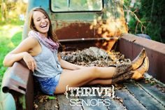 Senior Picture Ideas for Girls | Kansas City Senior Photography | www.thriveseniors.com | creative senior pictures