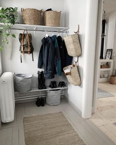 ★emma sundstrÖm ★ on . - ★emma sundstrÖm ★ on . Laundry Room Shelves, Laundry Room Cabinets, Hall Deco, Interior Design Living Room, Interior Decorating, House Ideas, Bedroom Wall, Entryway Decor, Interior Inspiration