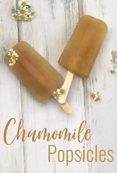 These honey sweetened chamomile popsicles are soothing and refreshing. These popsicles are perfect for cooling you down and calming you down! Great for upset tummies, sore throats, and teething kiddos Herbal Remedies, Home Remedies, Natural Remedies, Upset Tummy, Healing Herbs, Teething, Popsicles, Calming, Natural Health