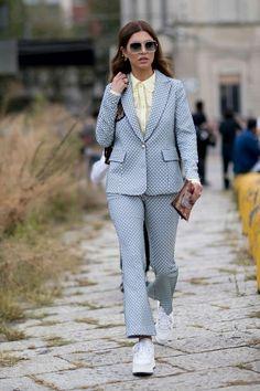 Sneakerlarınız İle Yapabileceğiniz Ofis Stili Kombini - InStyle Türkiye