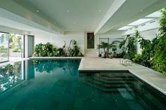 piscine à débordement, piscine intérieure avec débordement