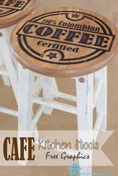 Remodelando la Casa: Painted Kitchen Stools - Home Decor Painted Bar Stools, Diy Bar Stools, Diy Stool, Kitchen Stools, Painted Chairs, Kitchen Nook, Ikea Kitchen, Wood Stool, Kitchen Island