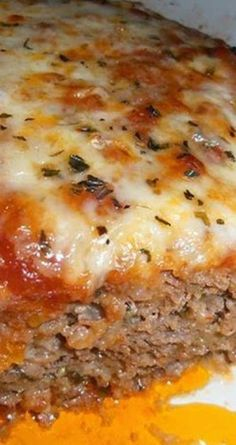 Meatloaf Recipe for Italian Meatloaf - This outstanding Italian Meatloaf recipe is sure to please the entire family, and the leftovers (if you're lucky enough to have any!) are amazing!Recipe for Italian Meatloaf - This outstanding Italian Meatloaf recipe Italian Meatloaf, Ranch Meatloaf, Mexican Meatloaf, Good Food, Yummy Food, Delicious Desserts, Food Dishes, Main Dishes, Pasta Dishes