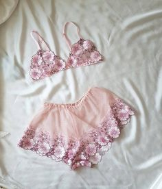 Soft, non-wired bra with floral embro lace with adjustable shoulder straps and fastening at the front with matching shorts. Jolie Lingerie, Lingerie Outfits, Pretty Lingerie, Luxury Lingerie, Beautiful Lingerie, Lingerie Set, Women Lingerie, Lingerie Dress, Slep Dress