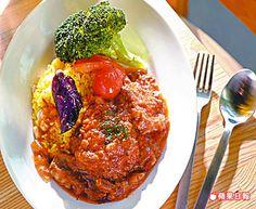 家鄉蔬菜燉牛肉附香米飯 460元/中午套餐 牛肉軟嫩易入口,醬汁充滿蔬菜甜。
