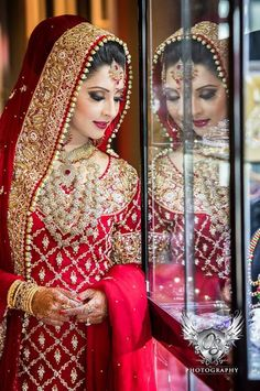 Every bride desires to get the best Pakistani Wedding Dresses & look beautiful on the special day of Barat. Here is Latest trendy collection