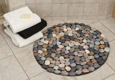 Round Bath Mat With Diffe Colored Pebbles