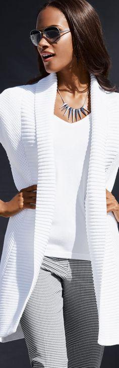 BLANC ET NOIR via LOLO Madeleine White Knit Sweater. repin Bella Donna Luxe Des