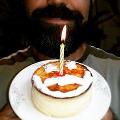 Hoy mi #barba cumple un año FELICIDADES! #anaymiguelweb #beard #estotambienescalidaddevidaaunqueellasnoopinenlomismo