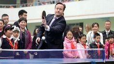 UK premier David Cameron at a primary school in Chengdu on Wednesday (FT - 04.12.2013)