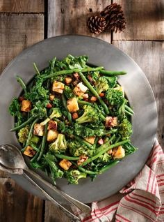 Sautéed Greens with Red Wine Reduction Vegetable Sides, Vegetable Recipes, Red Wine Reduction, Pumpkin Cheesecake Recipes, Vegan Cheesecake, Ricardo Recipe, Sauteed Greens, Healthy Vegetables, Cooking Vegetables