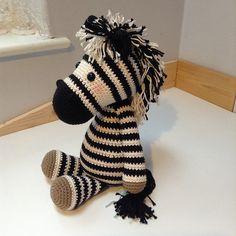 Met dit patroon kun je Paardje Piem omtoveren tot Betje Zebra! :-)