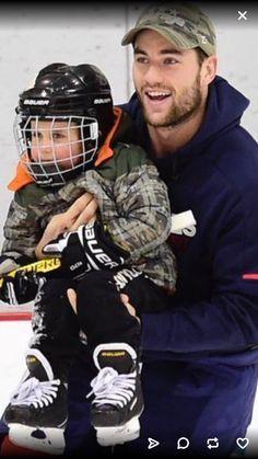 Caps Hockey, Ice Hockey Players, Hockey Teams, Sports Teams, Washington Capitals Hockey, Tom Wilson, Cute Caps, Celebrity Crush, Cute Couples