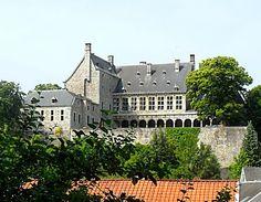 Château de Harzé - Chateau De Harzé est un château historique dans le pittoresque village ardennais de Harzé, à seulement 25 km de Durbuy. Il dispose d'un grand parc avec une fontaine, un site classé au patrimoine mondial et un restaurant gastronomique.
