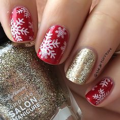 Red and gold snowflakes @sally_hansen Golden Rule, Wedding Glitters, and OMGhost. @opi_products Innie Minnie Mighty Bow @moyou_london Festive Collection 06