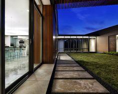Concrete slabs lay in the garden - 20 ideas for bridges