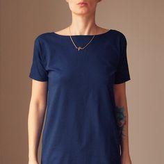 T-Shirts uni V-Ausschnitt - NAVY DOUBLE SEITEN BLUSE T-SHIRT V-AUSSCHNITT - ein Designerstück von onemugaday bei DaWanda