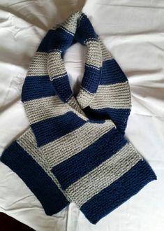 gestrickter Schal von StrickshopKreationen auf Etsy Etsy, Fashion, Blue Streaks, Blue Grey, Grey Scarf, Scarf Knit, Handarbeit, Colors, Moda