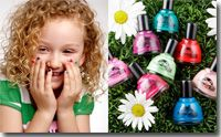 """Hopscotch Kids™ WaterColors is the premier non-toxic, kid-friendly alternative to solvent-based nail polish. Our water-based formula is free of the harsh, smelly chemicals that most nail polishes contain, helping condition your little one's nails with long-lasting, vibrant color. Hopscotch Kids go beyond """"3 free"""" and """"5 free"""" nail polishes as we have replaced ethyl acetate, butyl acetate, nitrocellulose, acetone, alcohols and heavy metals with water and acrylic polymers."""