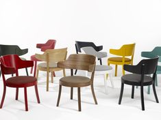 The seley is a comfortable, lightweight small armchair that shows that seating comfort does not depend on size. It is available in many colours and different types of wood, with or without upholstered backrest. Different Types Of Wood, Armchair, Dining Chairs, Colours, Furniture, Home Decor, Sofa Chair, Single Sofa, Decoration Home