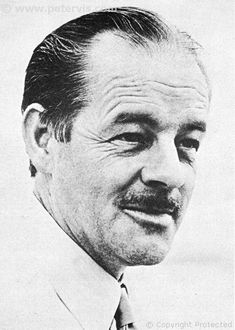 """Alistair MacLean (1922 - 1987)Scottish writer, books include """"The Guns of Navarone"""", """"Where Eagles Dare"""", """"Ice Station Zebra"""", and """"Breakheart Pass"""", all of which were made into films"""