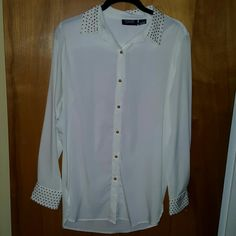 White blouse w gold embellishments NWOT unfortunately never could wear this and now it doesn't fit :( beautiful blouse to subtly add some style to boring office clothes. Missing one tiny little gold detail on the back of the sleeve. Tops Blouses