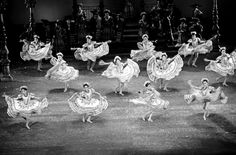 Featuring the lifestyle influenced by ballet & tips to immerse adults in the art form. Mary Ann Shaffer, Ballet Folklorico, The Guernsey Literary, Mexico Culture, Muse Art, Learn To Dance, Oldies But Goodies, Great Pictures, Performing Arts