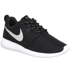 Nike Roshe Run ($100) ❤ liked on Polyvore featuring shoes, sneakers, nike, tennis shoes, trainers, black metallic white, unisex sports, cushioned shoes, sport shoes and nike shoes